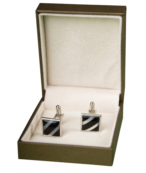 Very Zofcin cufflinks logo