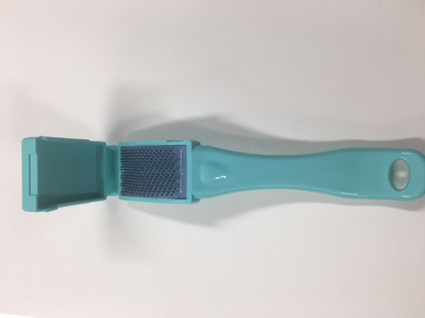 Shoe brush acquamarine